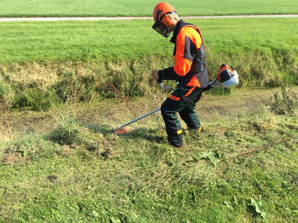 Bosmaaier training bij 't Stalhûs - veilig werken met de bosmaaier