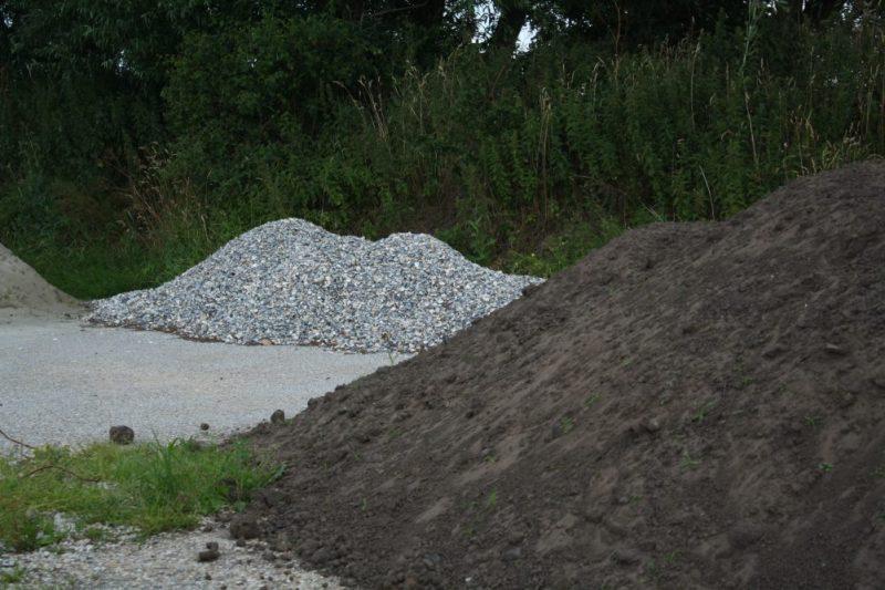 Leveren grond en zand op locatie - 't Stalhûs