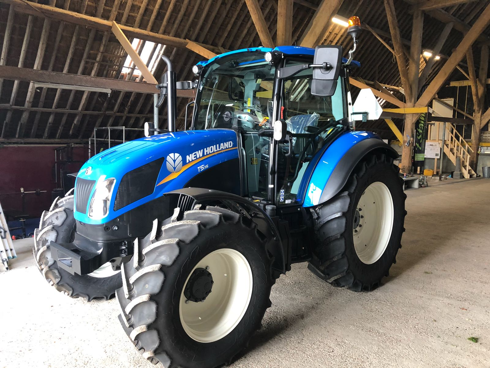 New Holland Trekker Stalhus